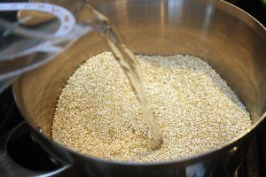 Adding liquid to quinoa