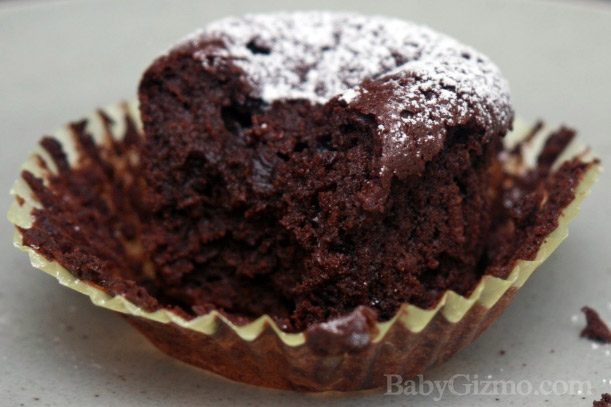 flourlesscupcakes4 Flourless Chocolate Cupcakes for Passover or Any Day