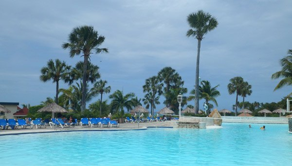 DR pool2 Lifestyle Holidays Resort Puerta Plata Review (VIDEO)
