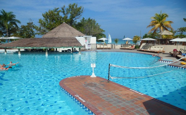 beaches mainpool Baby Gizmo Travel Review: Beaches Resort in Negril Jamaica