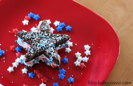 Ice Cream Starwiches on a red plate