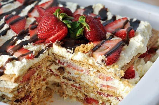 No Bake Icebox Strawberry Cake
