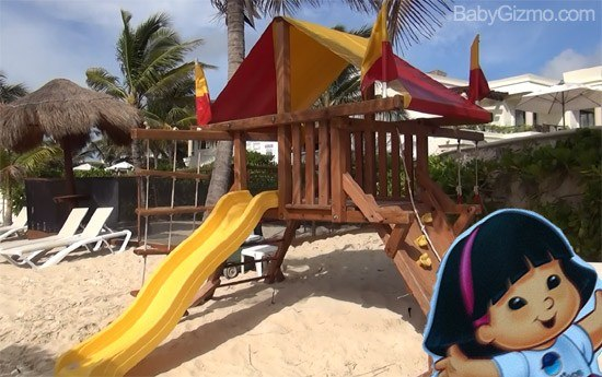 playset Azul Beach Resort from a Kids Point of View