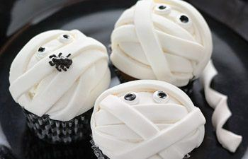 mummycupcakes Great Kid Friendly Halloween Snack Ideas