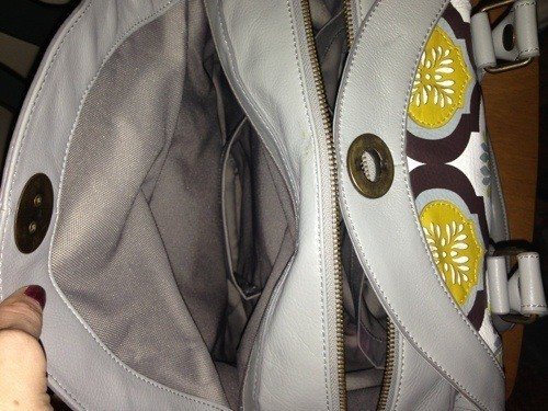 20121112 192334 Petunia Pickle Bottom Leather Holdall Review: My Dream Diaper Bag