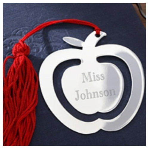 bookmark in the shape of an apple