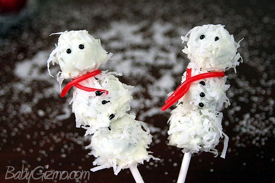 oreotrufflesnowmen1 Oreo Truffle Snowballs