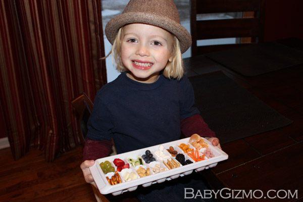 toddlerbuffet4 How to Make a Toddler Mini Buffet