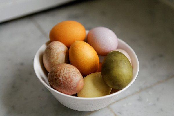 Natural Egg Dyes