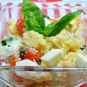 Pasta with Mozzarella and Cherry Tomatoes
