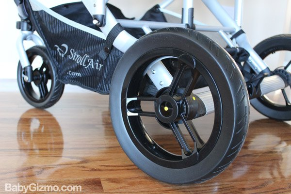 stroll airwheels Baby Gizmo Spotlight Review: StrollAir My Duo 2013 Stroller (+Giveaway)