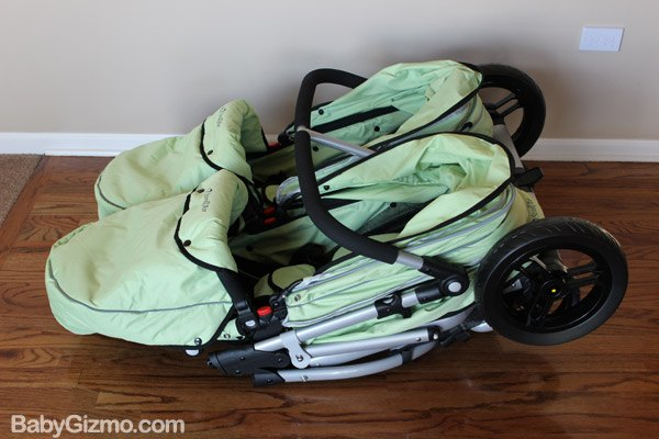 strollair fold Baby Gizmo Spotlight Review: StrollAir My Duo 2013 Stroller (+Giveaway)