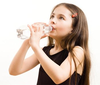 girldrinkingwater