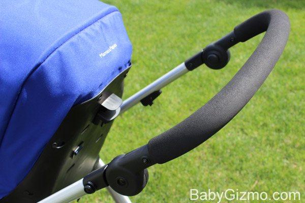 sola handle Baby Gizmo Spotlight Review: Mamas & Papas Sola Stroller