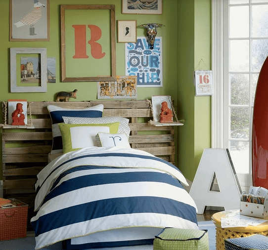 collage wall room