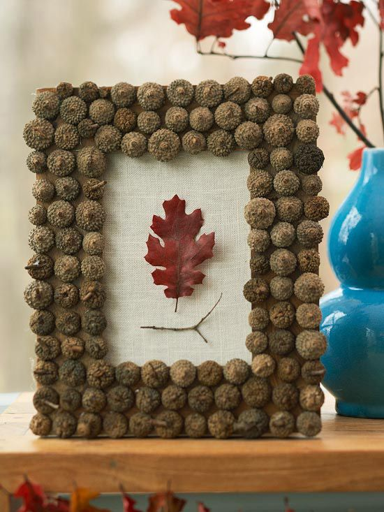 Acorn Picture Frame DIY Thanksgiving Decor Ideas