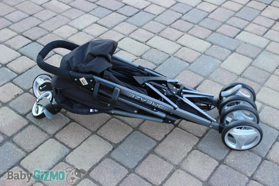 breaze fold Graco Breaze Click Connect Stroller Review (VIDEO)