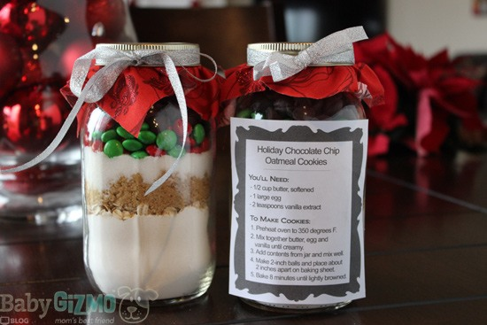 Gift Idea: Chocolate Chip Cookies in a Jar