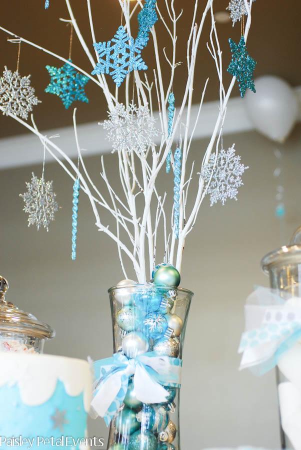 Winter-Wonderland-snowflake-tree