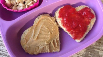 A Heart Lunch For Your Kid's On Valentine's Day