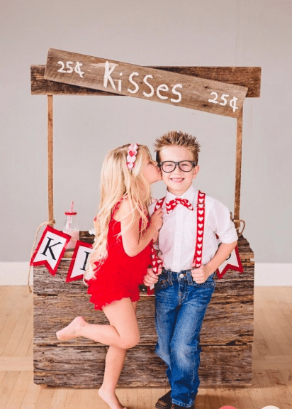 Kissing Booth Valentine's Day Photo Shoot