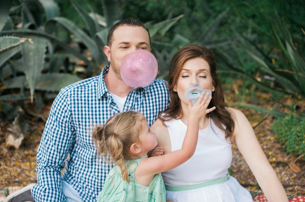 gender reveal idea with bubble gum