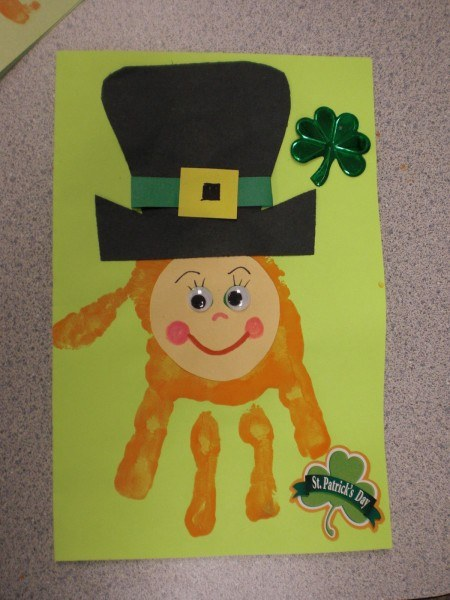 St. Patrick's Day Crafts: Leprechaun hand