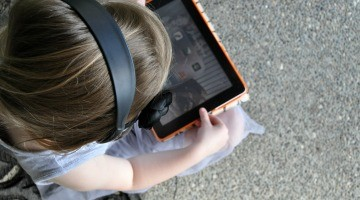 Traveling With Kids: How To Download Free Audiobooks