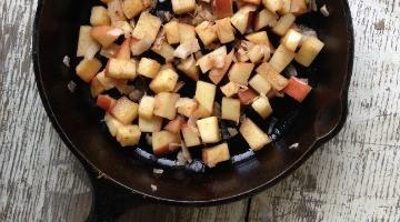 Roasted Coconut Cinnamon Apples