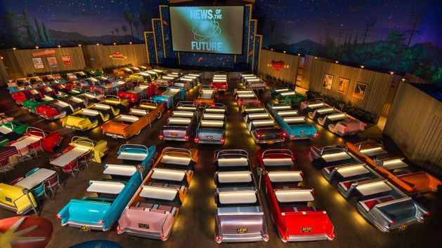 Walt Disney World's Sci-Fi Dine In Restaurant Review