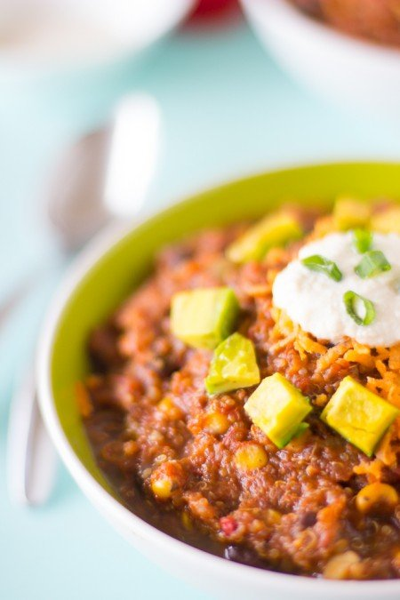 This-Vegan-Crockpot-Quinoa-and-Black-Bean-Chili-needs-only-10-minutes-prep-then-right-into-the-crockpot-It-results-in-a-thick-fi