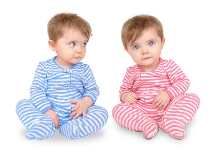 Having Twins? Baby Products You NEED Two of (and those you don't!)