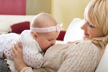 11 Great Breastfeeding Accessories