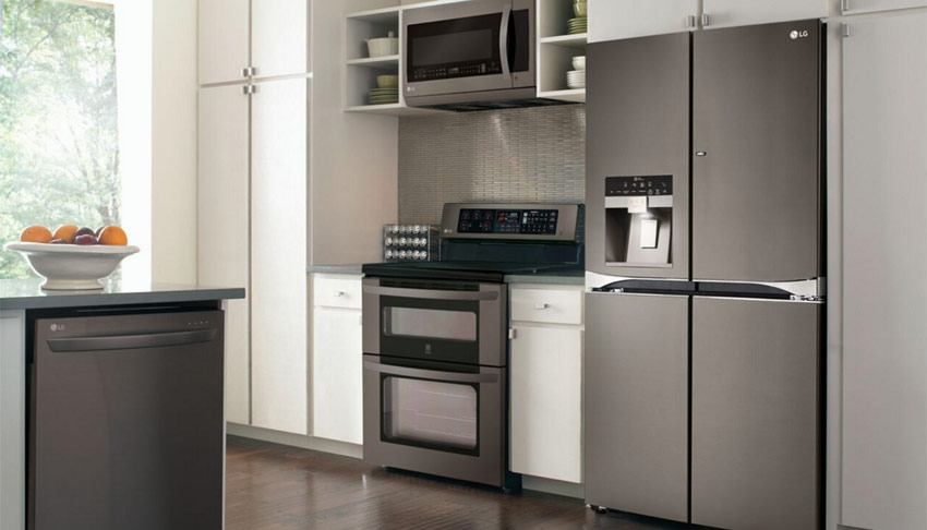 black kitchen cabinets with stainless steel appliances lg debuts black stainless steel kitchen appliances baby 12401