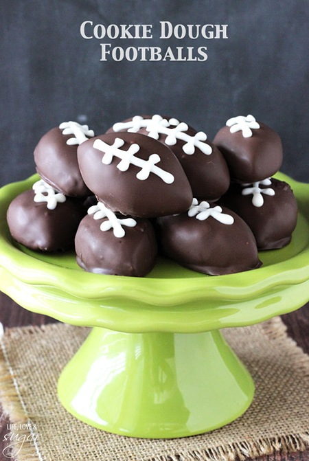Eggless_Cookie_Dough_Footballs