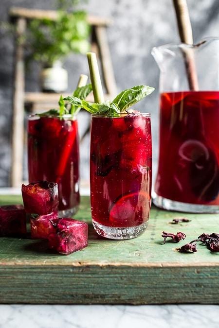 Hibiscus-lemongrass-Basil-and-Honey-Sweet-Iced-Tea-1