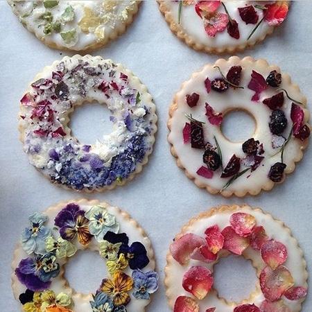 edible flower shortbread cookies