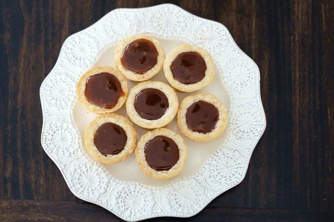 mini chocolate caramel tart 3