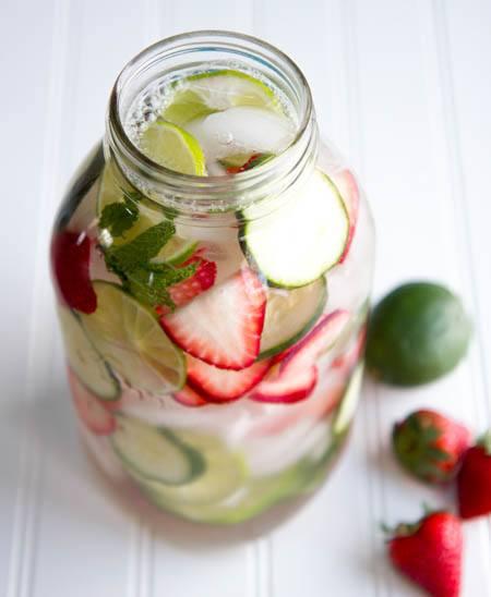 8 Refreshing Drinks for Hot Summer Days