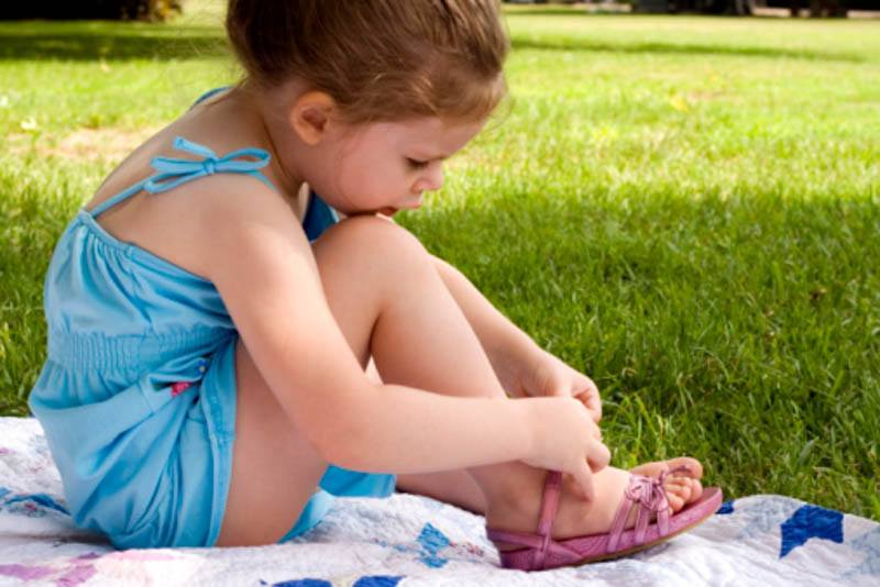let them do it toddler featured