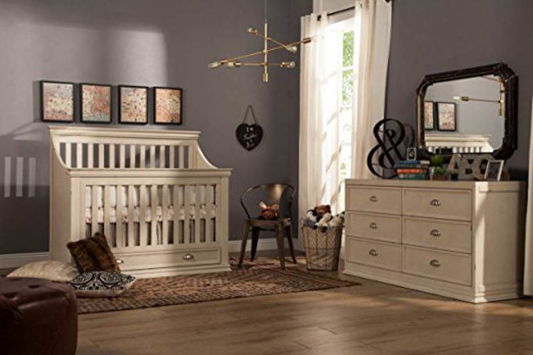 8 Great Crib Choices for Baby
