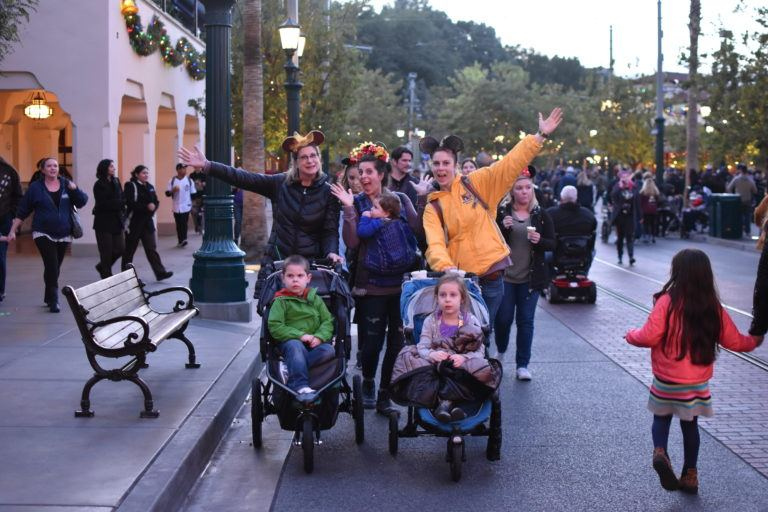 Why We Didn't Take a Double Stroller To Disneyland