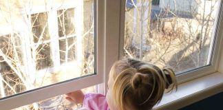 Mom Warns Parents of Open Windows After 4 Year Old Falls 12 Feet