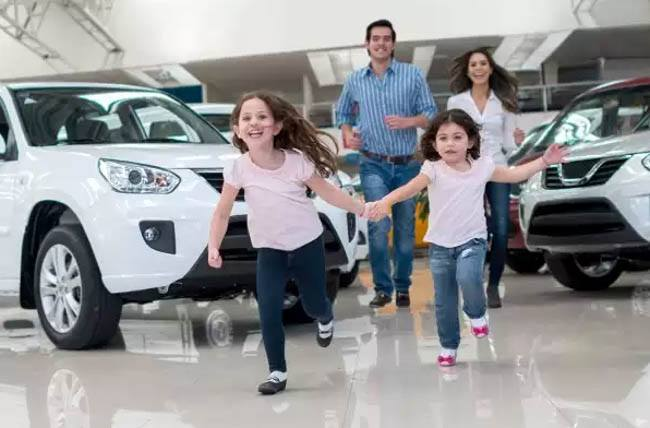 car shopping with kids pic