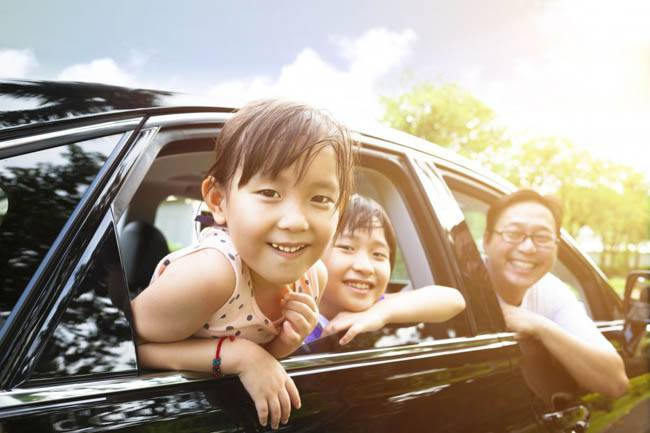 shopping for car with kids 2
