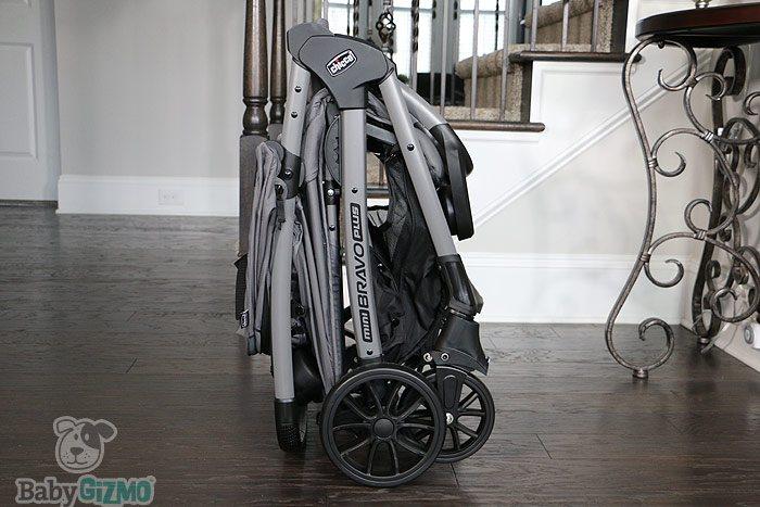 Chicco Mini Bravo Plus Stroller Fold