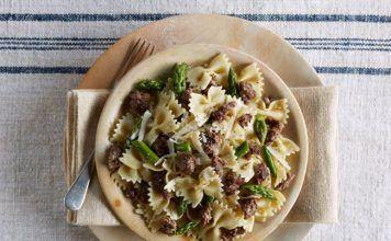 oven beef-asparagus-pasta-toss-horizontal