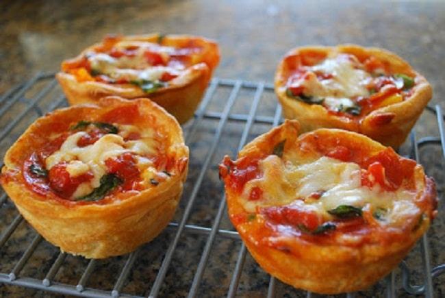 mini deep dish pizza