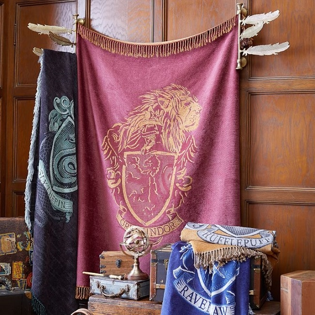 harry potter chenille house crest throw