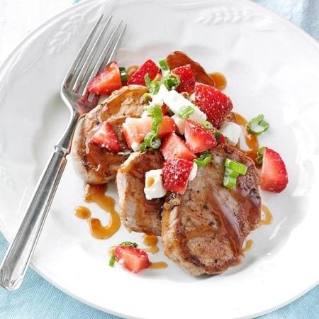 pork tenderloin medallions with strawberry sauce